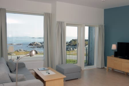 Apartment with ocean view at Runde - Runde