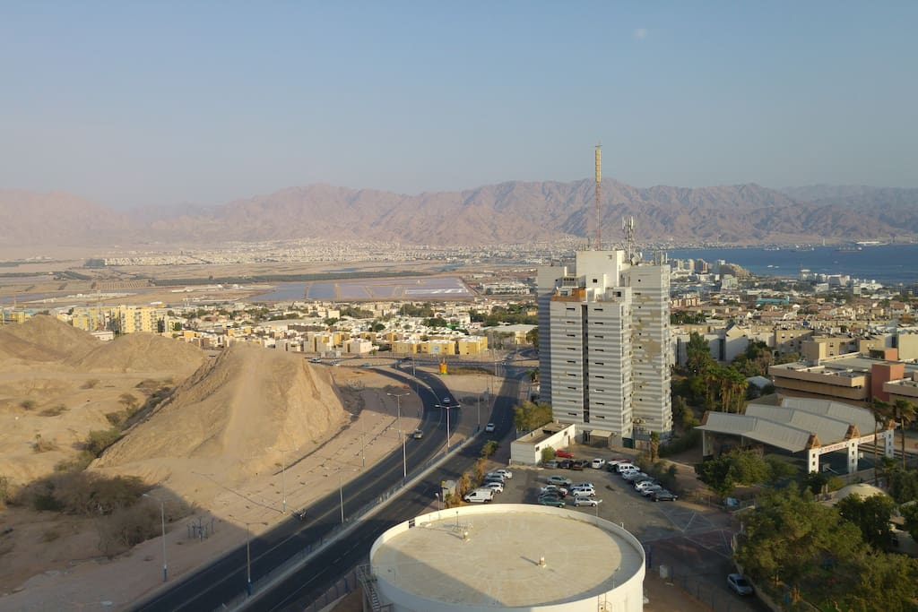 The view of Eilat's and Jordan's mountains from the wood balcony
