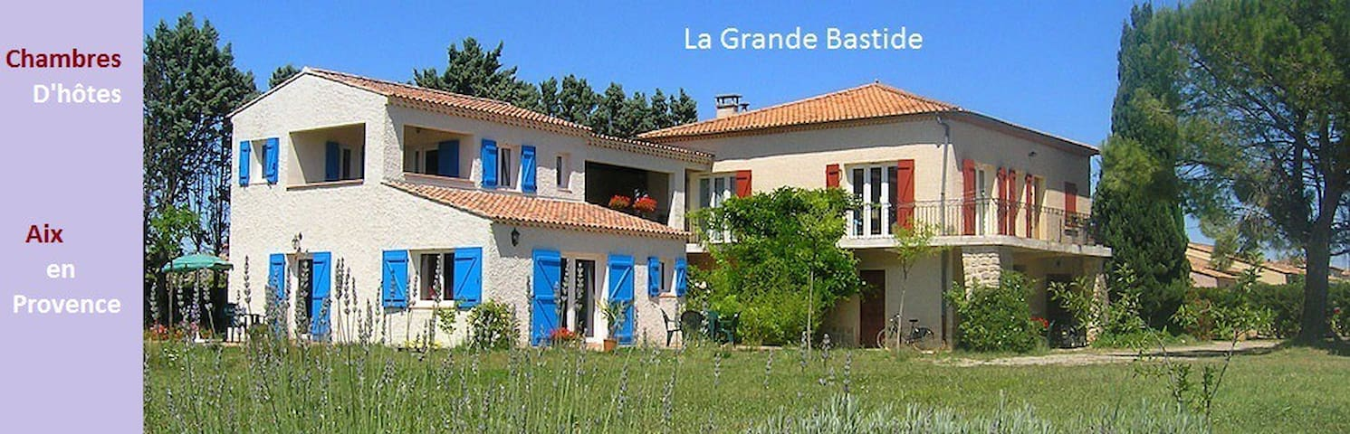 B and B proche de la gare d'Aix TGV - Aix-en-Provence - Bed & Breakfast