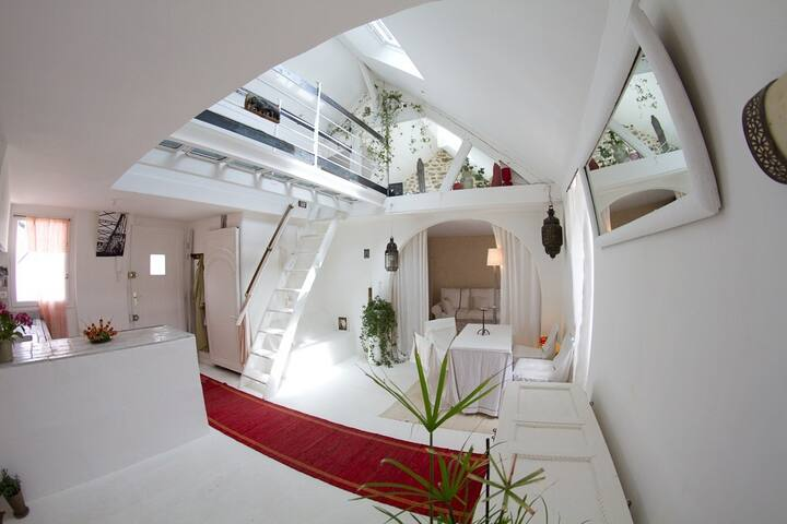 La Sakina: Atypical loft apartment