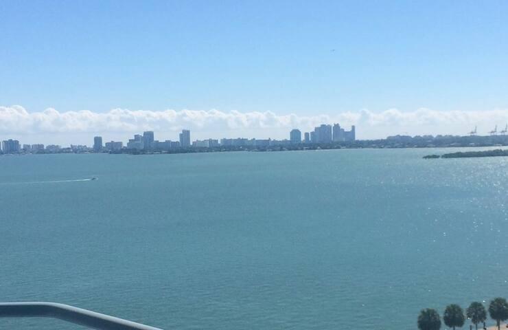 Spacious Midtown Apartment w/ View - Miami - Apartament