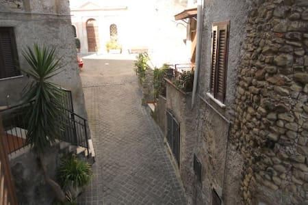 Apartment with view in the medieval center - Paliano - Lejlighed