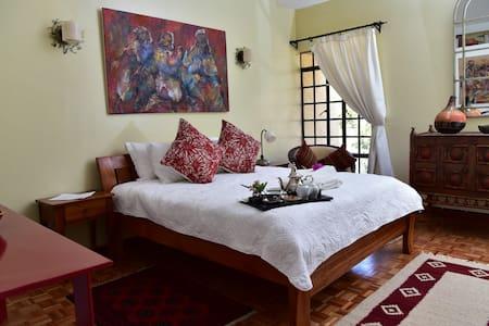 Hob House Habibi Suite - Nairobi - Bed & Breakfast