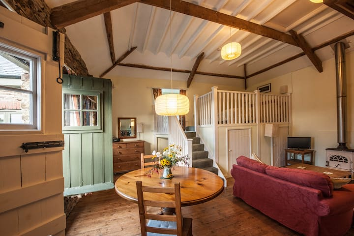 Apple Loft in the Tamar Valley