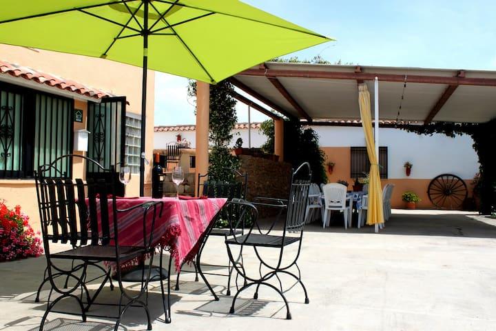 Casa Can Salvador - next to the beach - Les Cases d'Alcanar - Hus