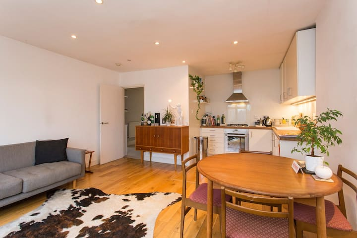 Beautiful and quiet flat in trendy area