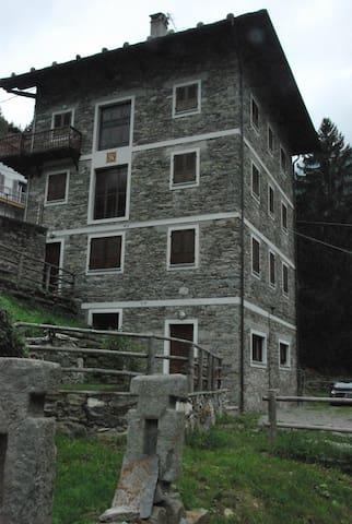 Grazioso bilocale vista Monte Rosa - Riva Valdobbia - Wohnung