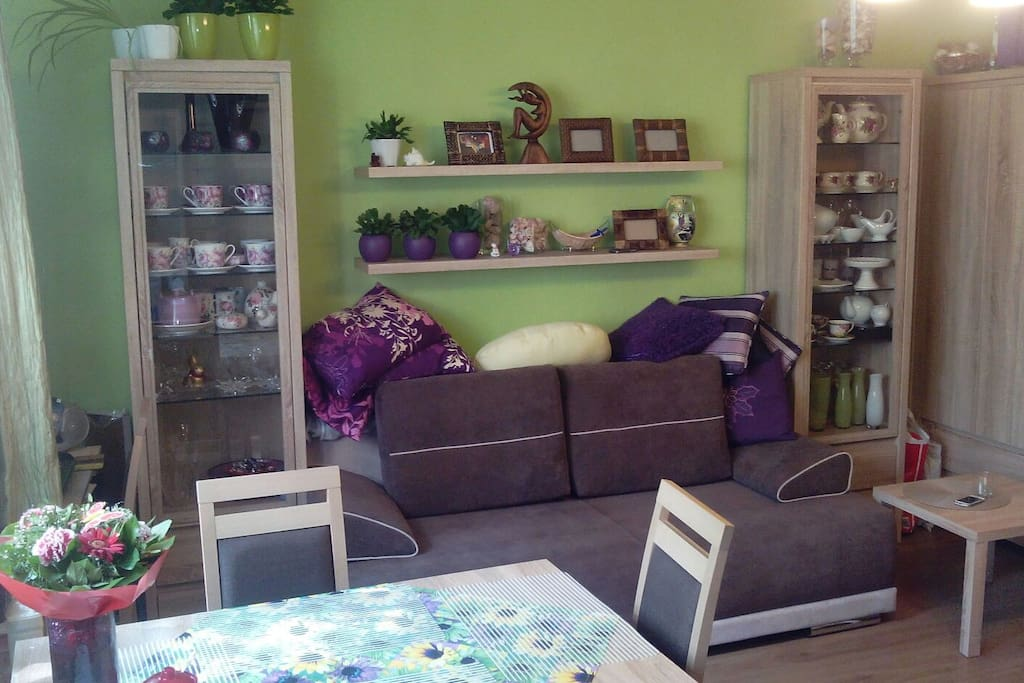 The sofa for two persons is no longer available, instead there is a normal, comfortable bed (2,00x1,40m).