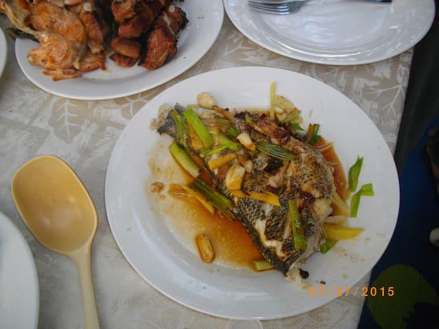 Fresh fish a la Romeo. Looks yum. (summer'15)