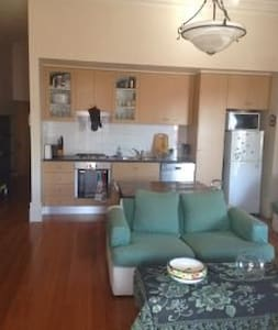 Large apartment in perfect central location - Newtown - Apartamento