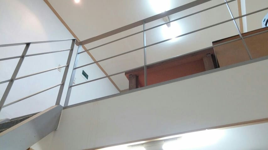 A loft nearby Sinchon - Seodaemun-gu - Loft