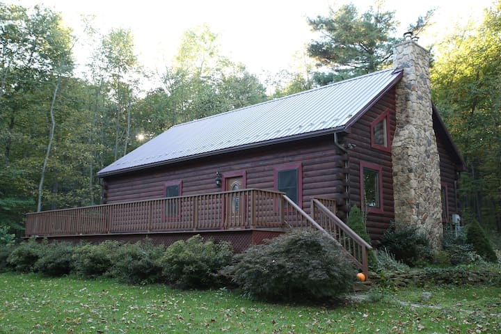 The Rogowski Cabin - Alexandria
