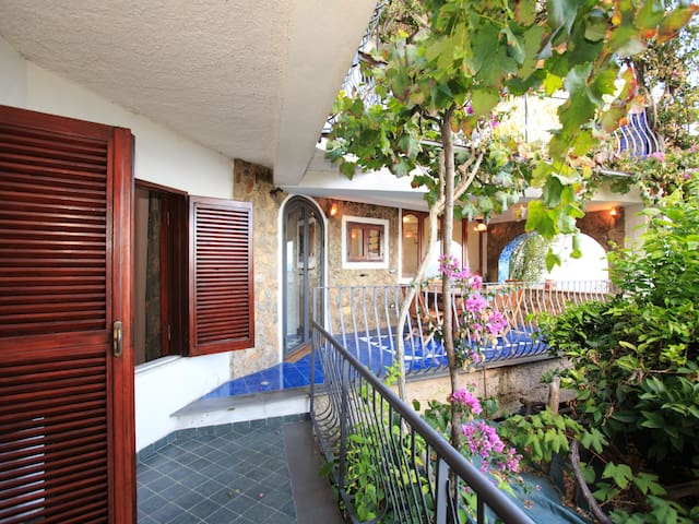 la casa degli specchi in costiera - Praiano - Apartment