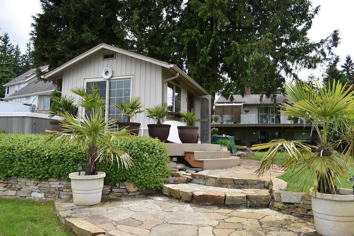 Tiny House on Lake Goodwin with Hot Tub & Dock