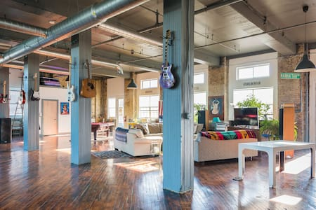 5000 sq ft Philadelphia warehouse!