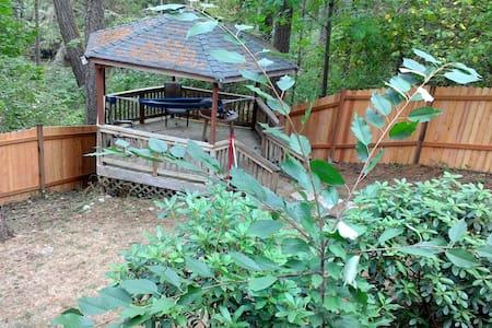 森の中の一軒家 Living in woods. - Yelm - 獨棟