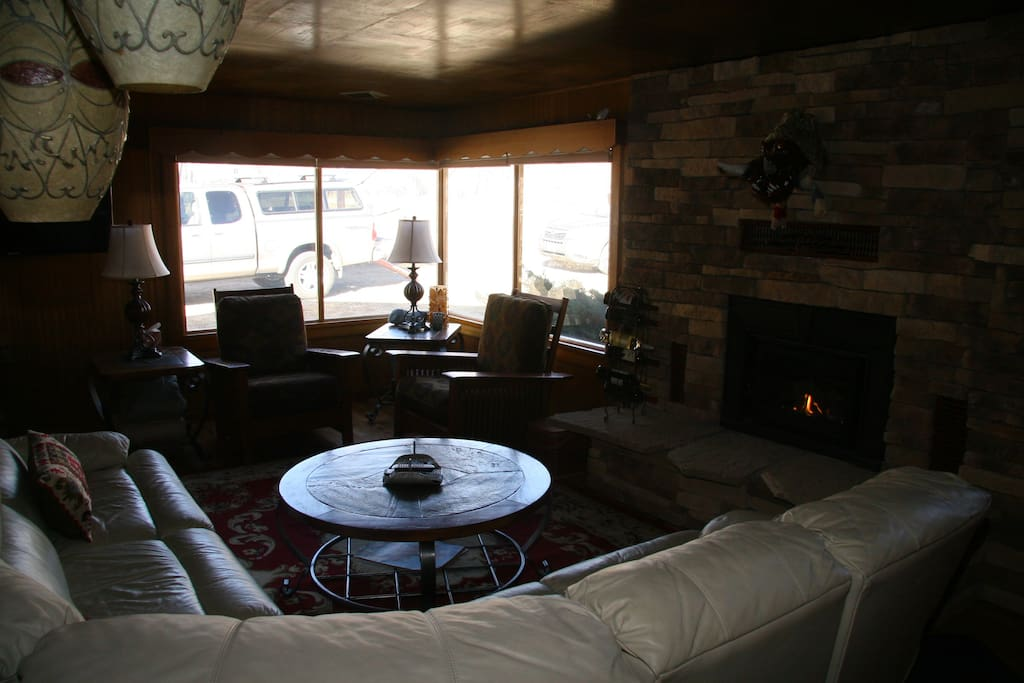 mountain views; gas fireplace; pull out bed; large tv and internet