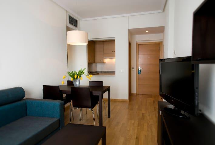 Apartamentos cerca del Aeropuerto. - Madrid - Condominio