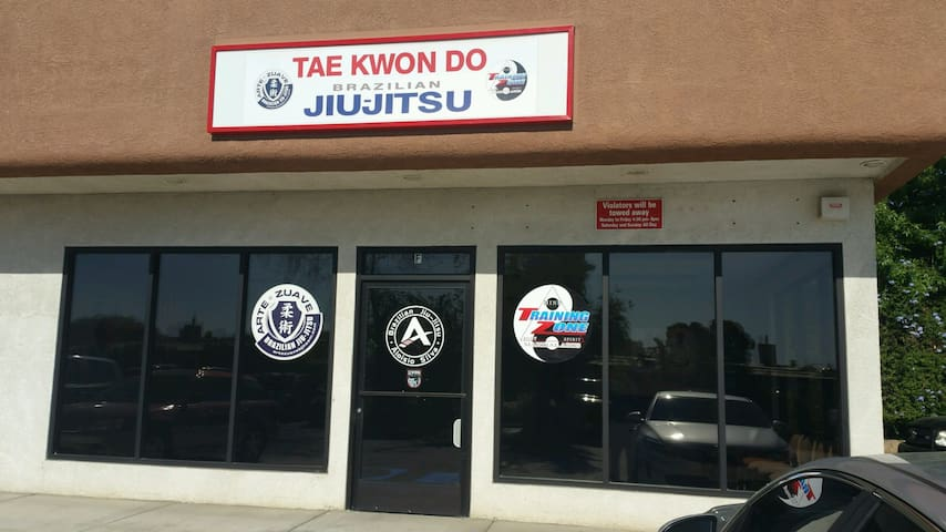 Martial Arts Kickboxing Fitness Gym - Yucaipa - Otros