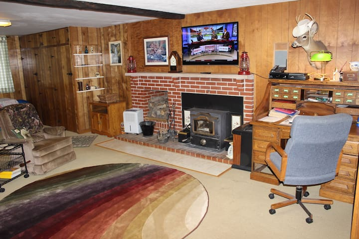 Large Family Room with HD TV/Wood Stove