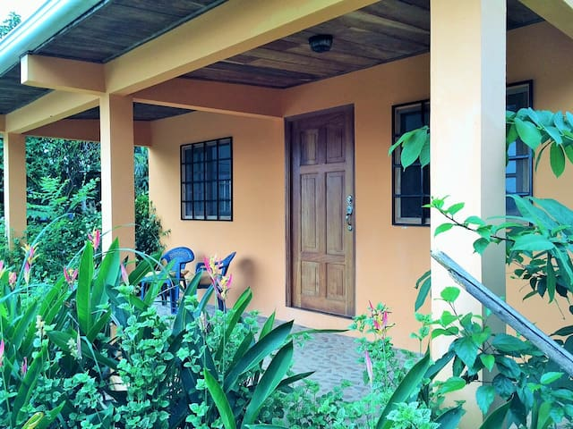 Quaint 2 bedroom home in Pedasi