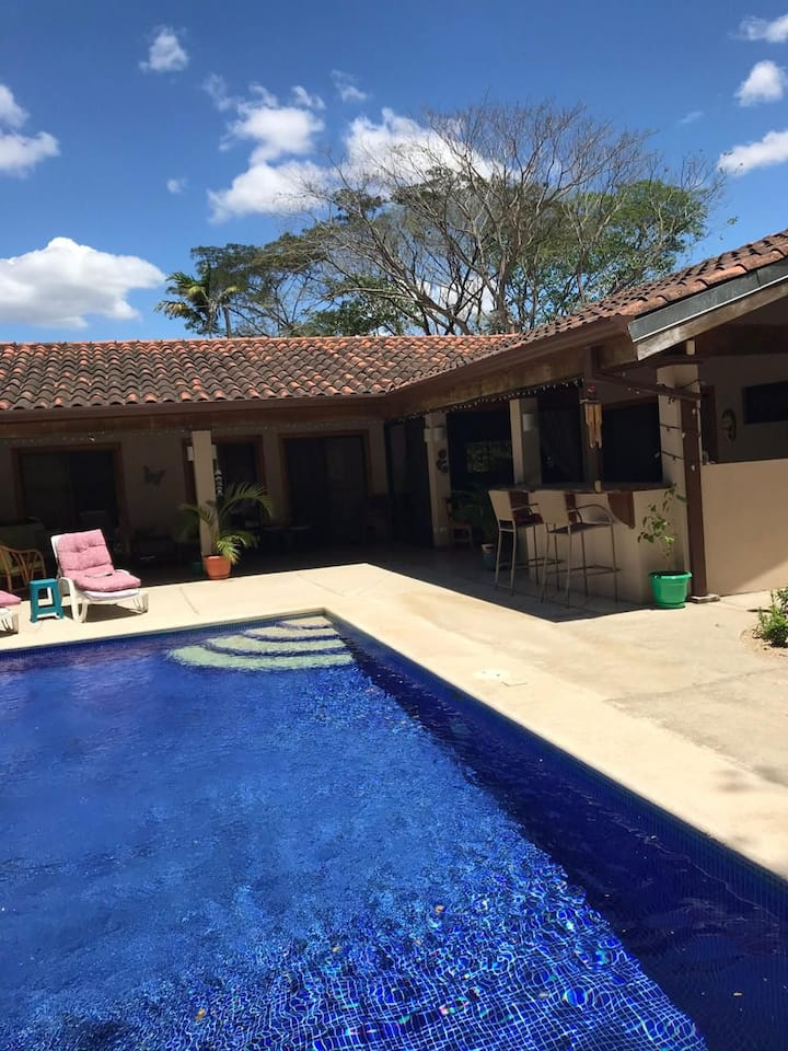 Casa Four Palmas, Un Retiro en  Playa  Potrero
