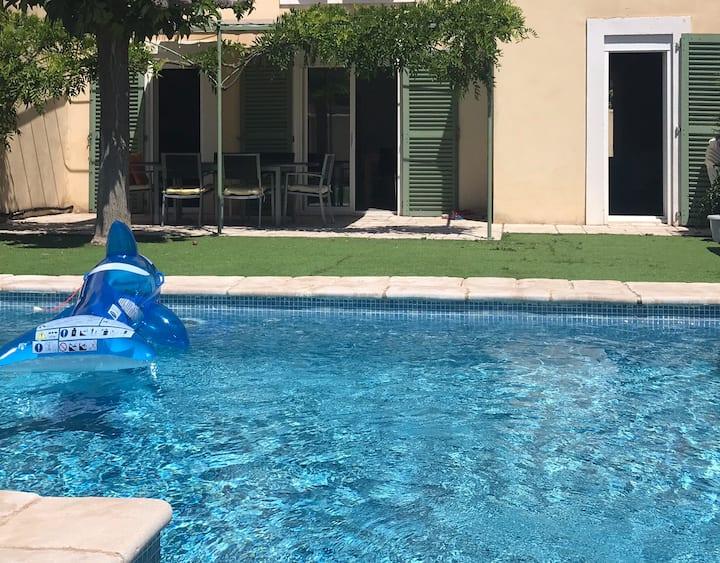 Maison entière avec piscine au cœur de la Provence