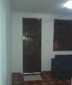 Casa na região Central de Aracaju.