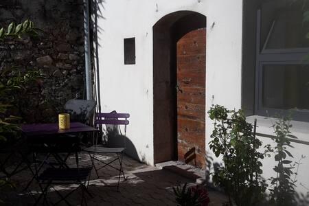 Caraussane :  caractère, verdure en coeur de ville - Sète - Σπίτι