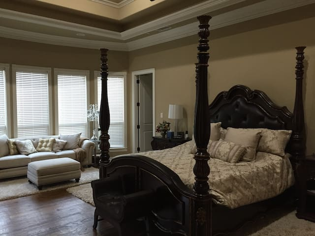 Chateau de Texas, Master Suite - Colleyville