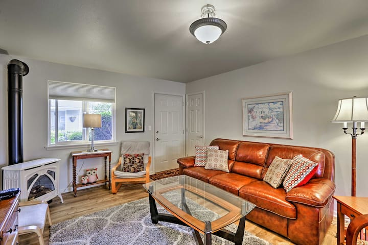 NEW! Anacortes Condo - Walk to Town, Marina & Bay!