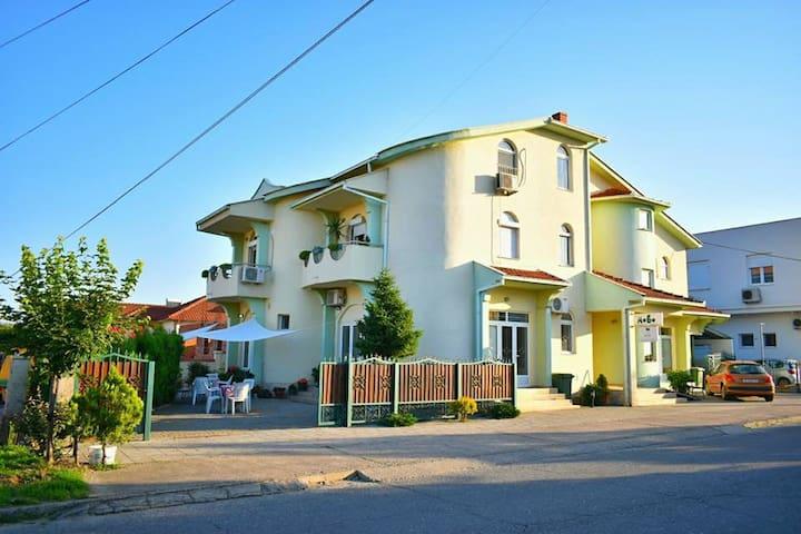 Villa Jovan  & Dzoko Javor Gevgelija