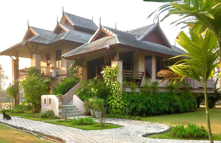 Baan Farang Family Compound - San Kamphaeng - House