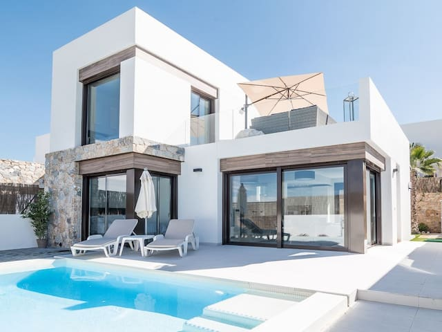 Amazing Luxury Villa on Luxury Golf Resort