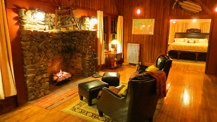 ⭐ Private & Historic Lodge...Minutes to Sunapee! ⭐