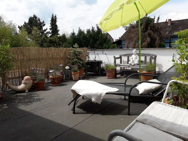Peaceful Apartment Beletage Close to Centre with Terrace, Wi-Fi & Air Conditioning; Parking Available