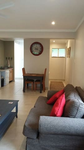 West Lodge Self Catering Cottage - Westville