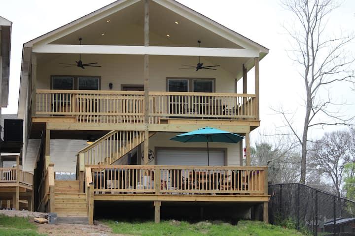 #1 Front Row River Road Villa's