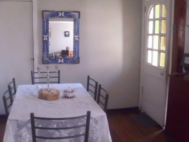 Acogedora  metro viña del mar y valparaiso - Villa Alemana - House