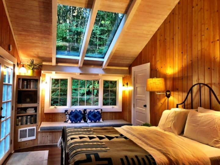 Cottage room #1  at Historic Bridal Veil Lodge