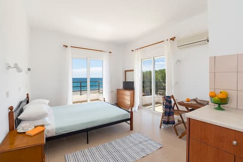 Beautiful double apartment with amazing sea view