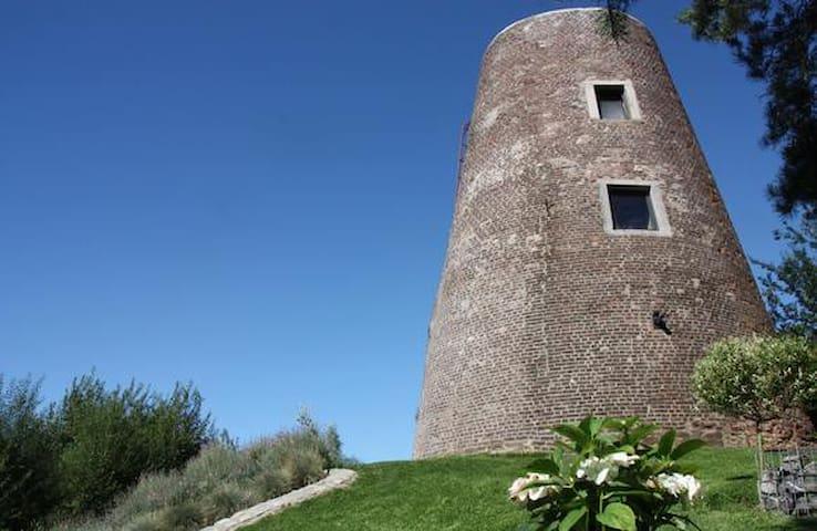 """moulin du """"ya""""  gîte  insolite  de 2/4 personnes - La Louvière - Lain-lain"""