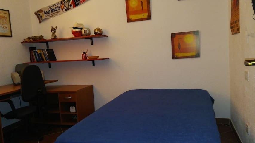 #blu stanza privata a Murta Maria - Murta Maria - Apartamento