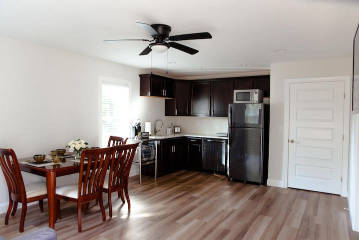 Brand new apartment in a heart of KDH