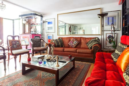 ROOM IN PENTHOUSE COSTANERA CENTER