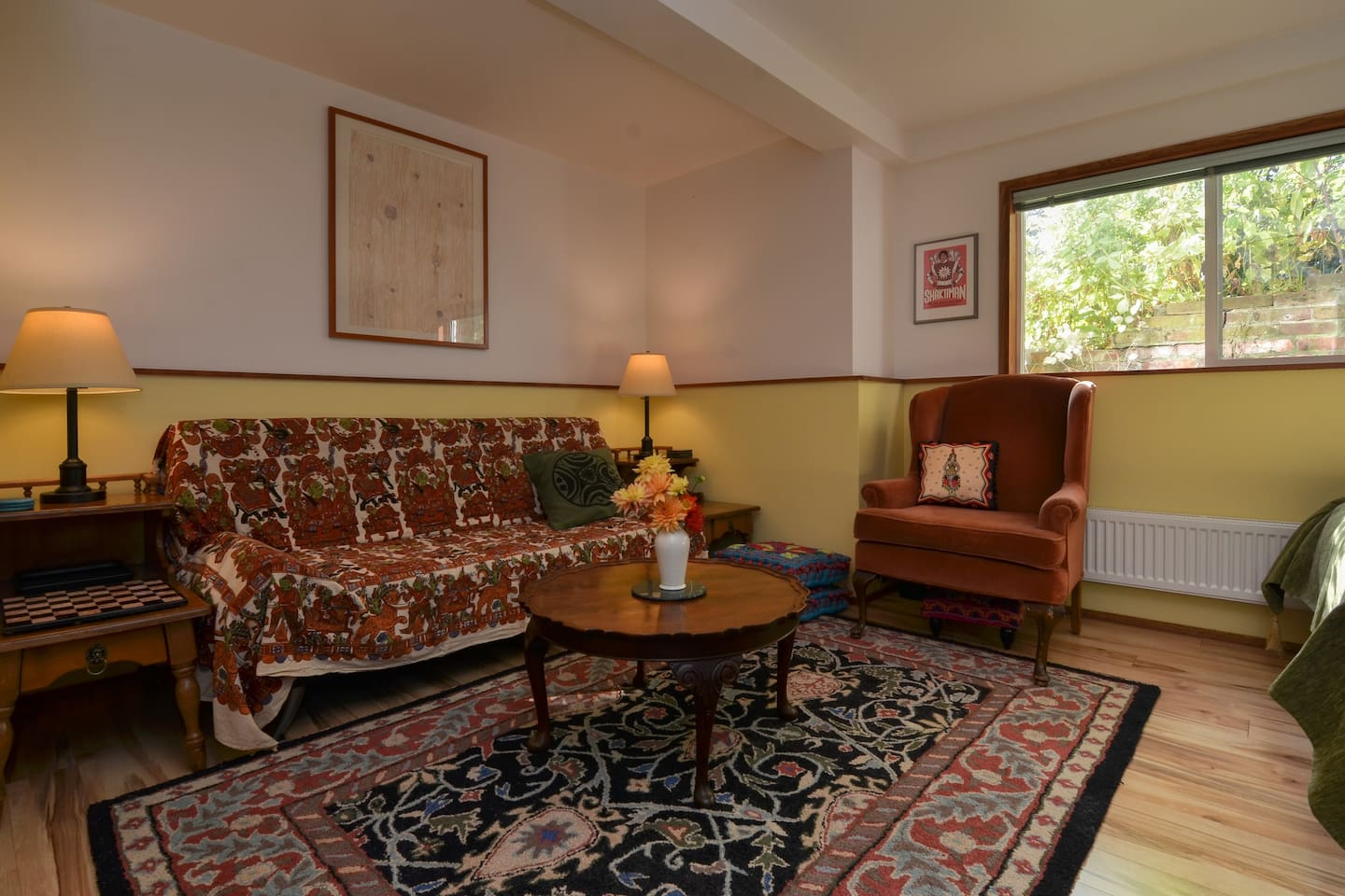 Cosy Garden Studio Apt Minutes From Downtown - Houses for Rent in ...