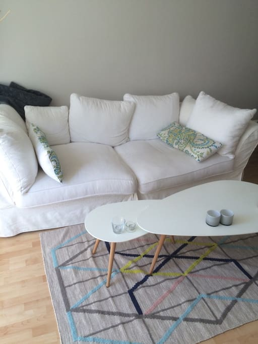 große Couch zum relaxen oder schlafen