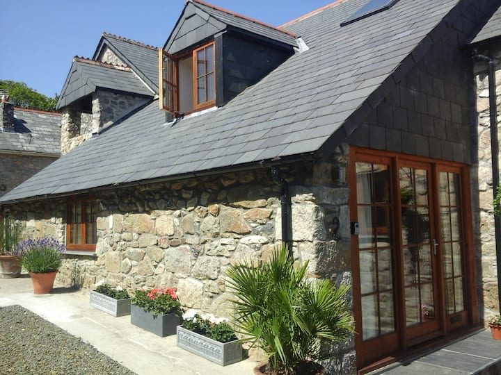 Luxury Barn - Ideal Location for Both Coasts