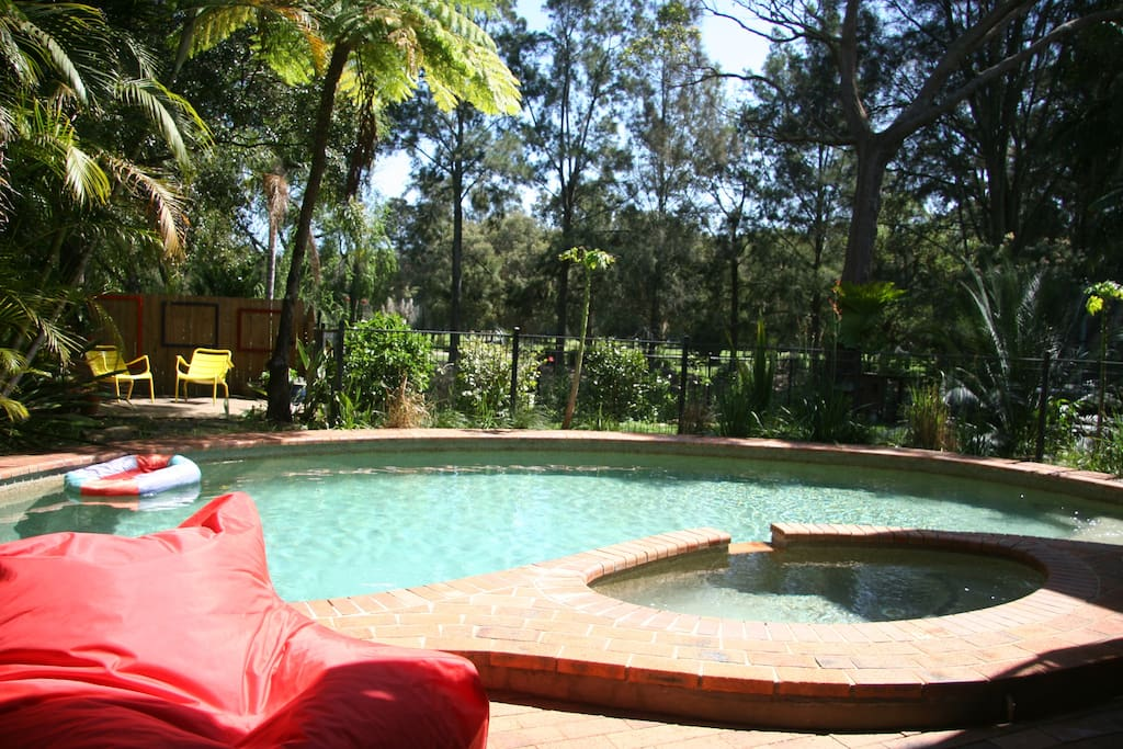 2 Br Living Swimming Pool Golf Course Access Apartments For Rent In Mona Vale New South
