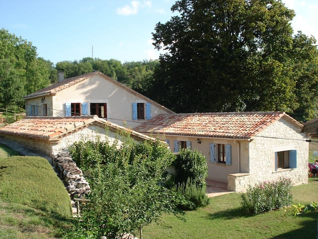 Comfortable B&B in French Tuscany - Saint-Amans-de-Pellagal - Bed & Breakfast